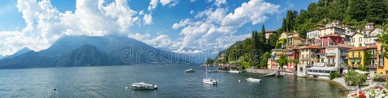 Lago Como Varenna imagenes de archivo