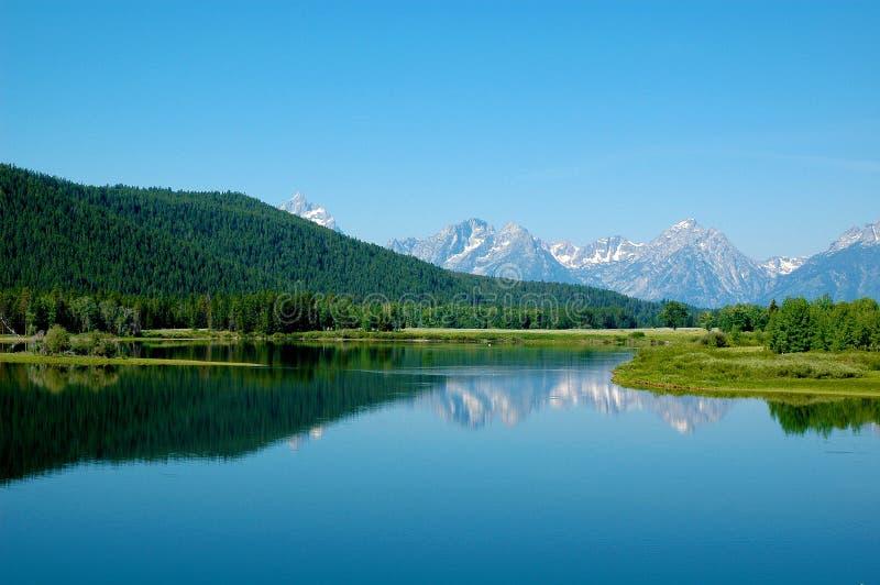 Lago con las montañas en el parque nacional de Teton foto de archivo libre de regalías