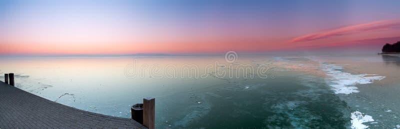 Lago congelado de Hungria, Balaton fotos de stock royalty free