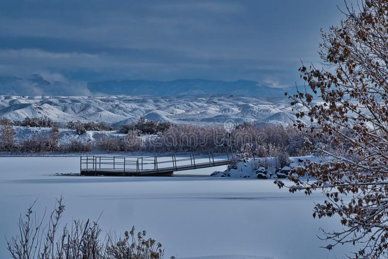 Lago congelado en Colorado occidental imágenes de archivo libres de regalías