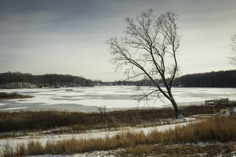 Lago congelado no cantão Ohio imagens de stock