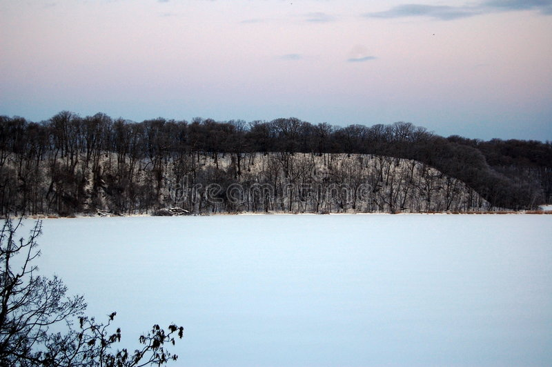 Lago congelado no Hokkaido foto de stock royalty free