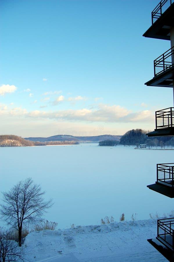 Lago congelado no Hokkaido fotografia de stock
