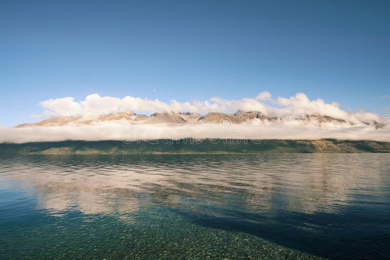 Lago cristalino fotografía de archivo