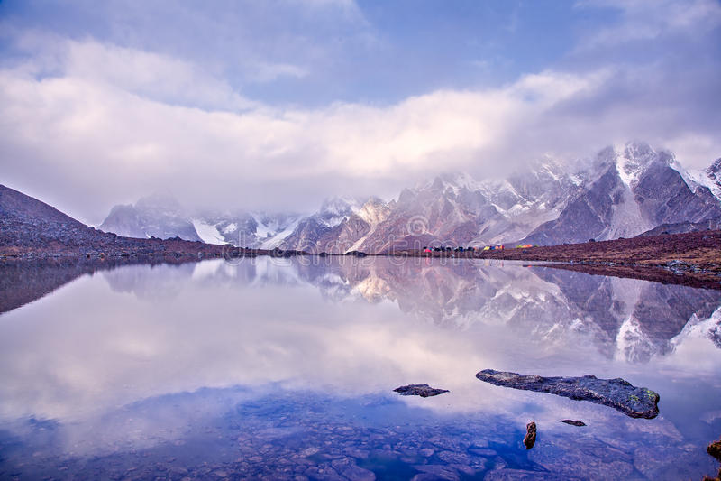 Lago CuoxueRenma imágenes de archivo libres de regalías