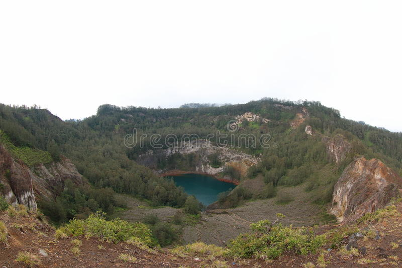 Lago das pessoas adultas, lagos crater de Kelimutu fotos de stock royalty free