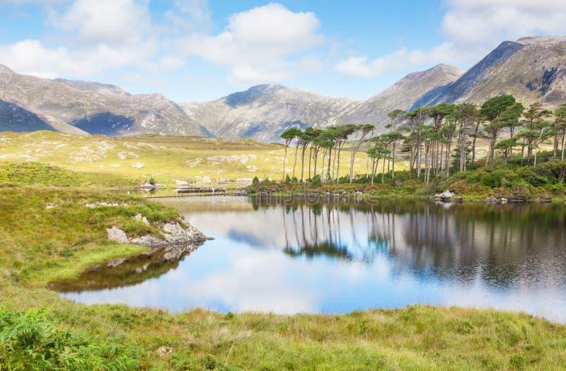 Lago de Derryclare en Irlanda imagen de archivo libre de regalías