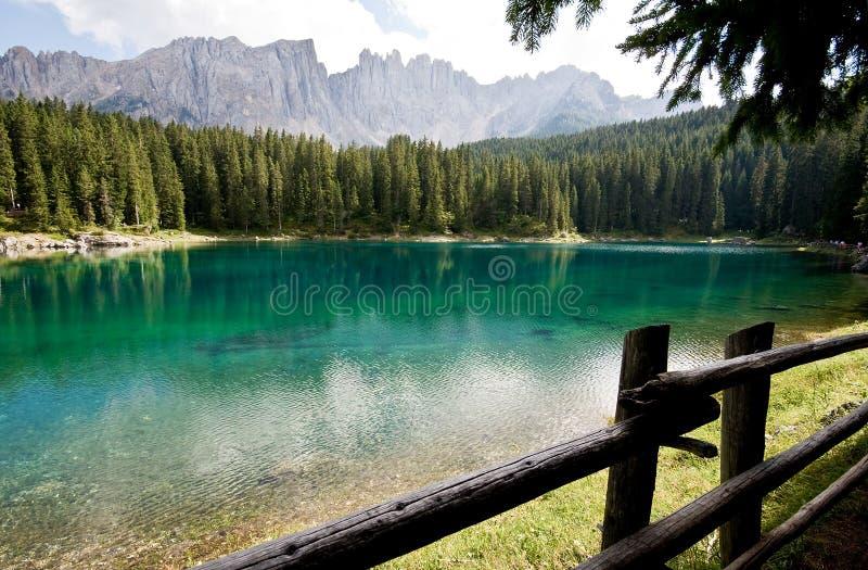 Lago de la caricia - Dolomiti fotografía de archivo