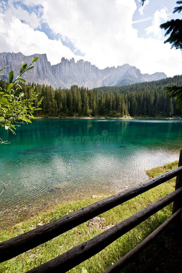 Lago de la caricia - Dolomiti imagen de archivo libre de regalías