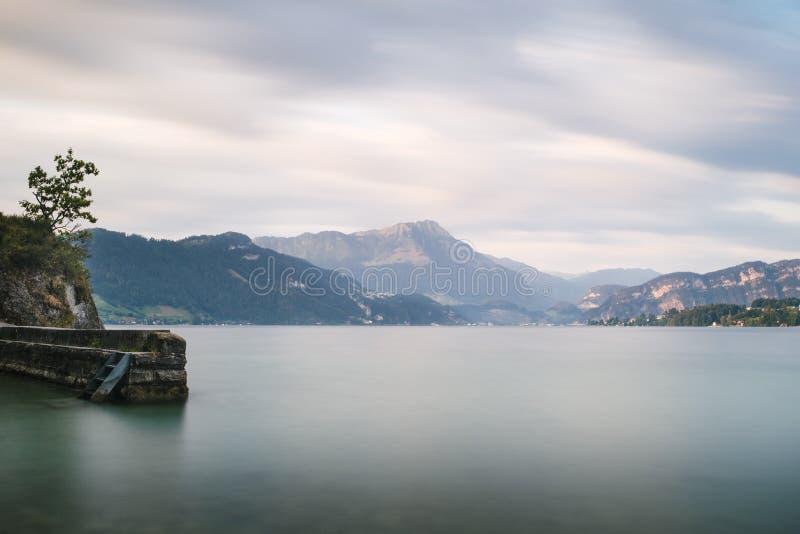 Lago de la exposición de tiempo largo imágenes de archivo libres de regalías