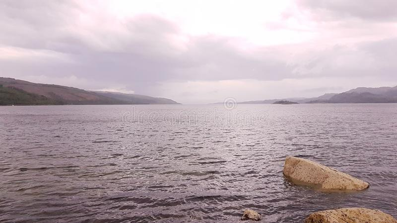 Lago de largo fotografía de archivo libre de regalías