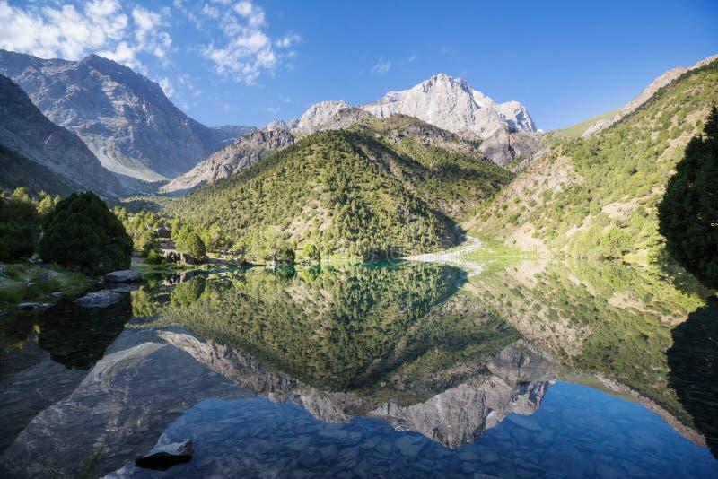 Lago de las montañas de Fann imagen de archivo libre de regalías