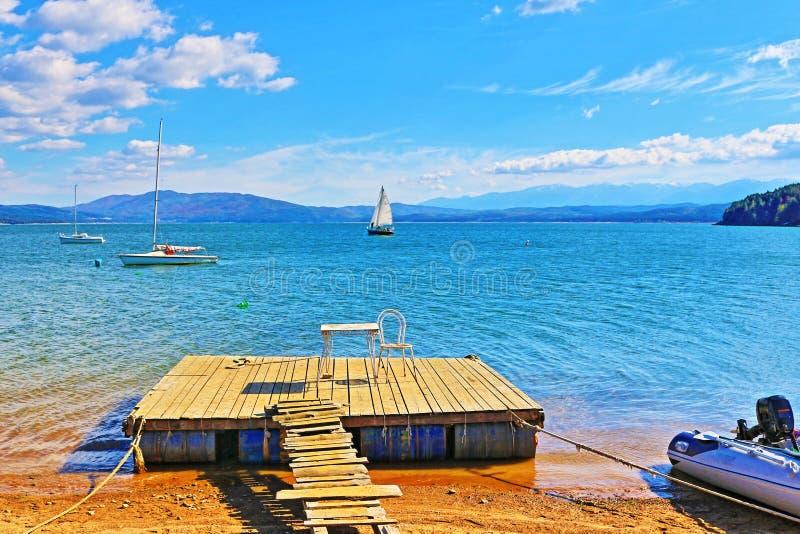 Lago de madeira Bulgária Iskar do cais fotografia de stock