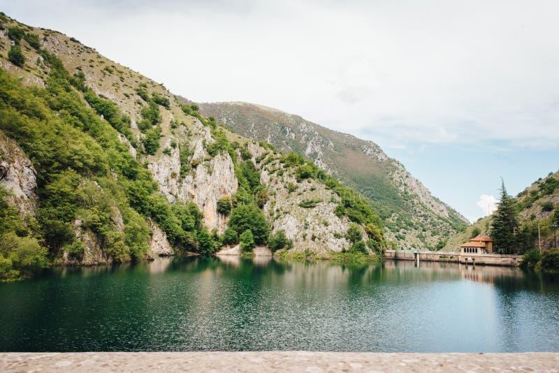 Lago de San Domingo, Abruzos, Italia fotografía de archivo