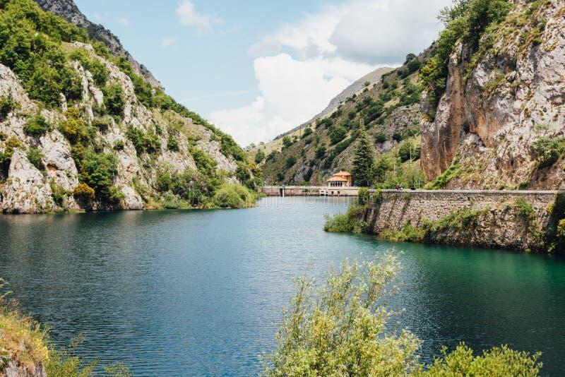 Lago de San Domingo, Abruzos, Italia foto de archivo libre de regalías