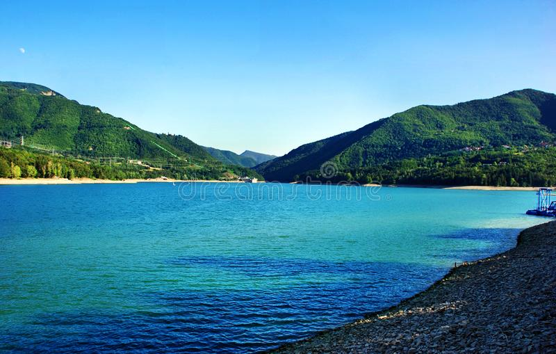 Lago de Suviana, bacino de Suviana, Bolonia, Italia imagen de archivo
