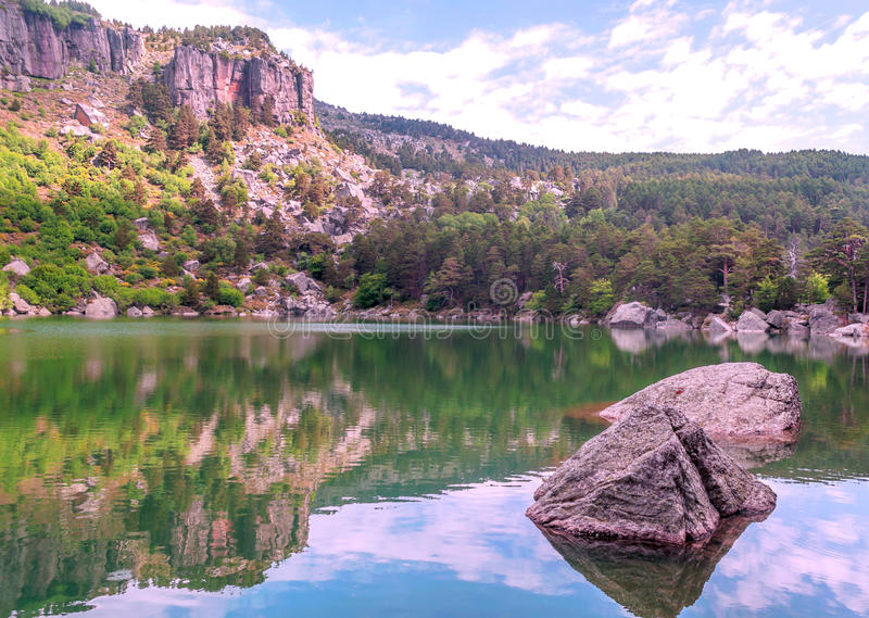 Lago de Vinuesa foto de stock
