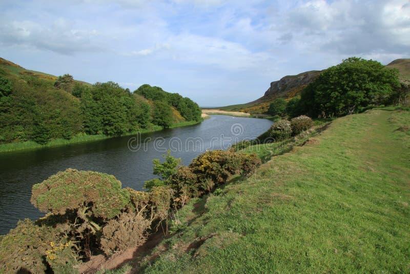 Lago del cenagal, St Abbs, Northumberland y fronteras escocesas foto de archivo libre de regalías
