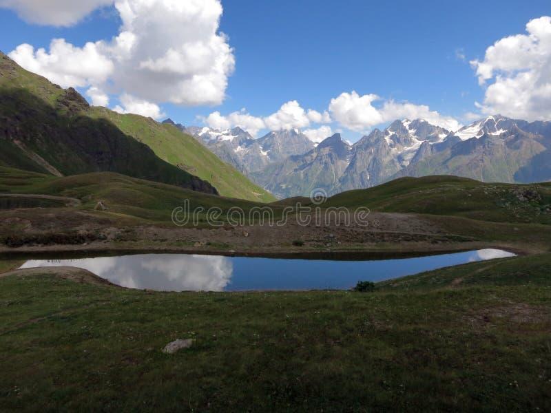 Lago della montagna di Koruldi fotografie stock libere da diritti