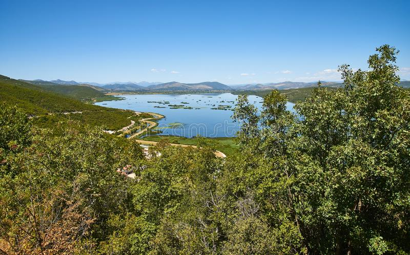 Lago Deransko, parte del parque de naturaleza de Hutovo Blato, Bosnia y Herz fotos de archivo libres de regalías