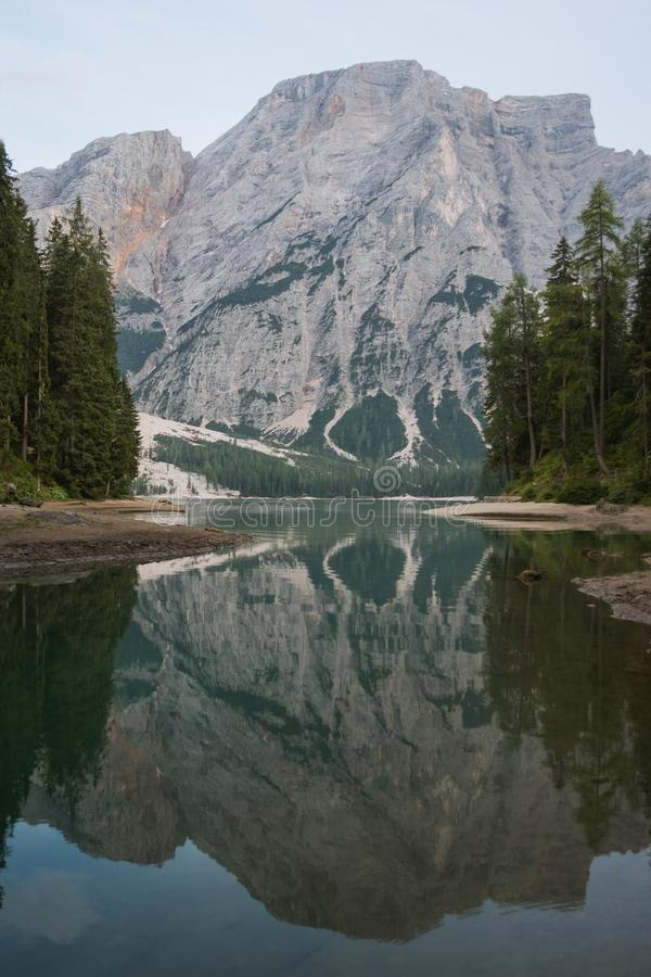 Lago di Braies stockfoto