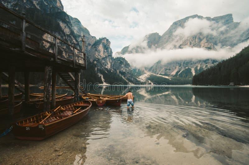 Lago Di Braies - magiczny breathtaking jezioro zdjęcia stock