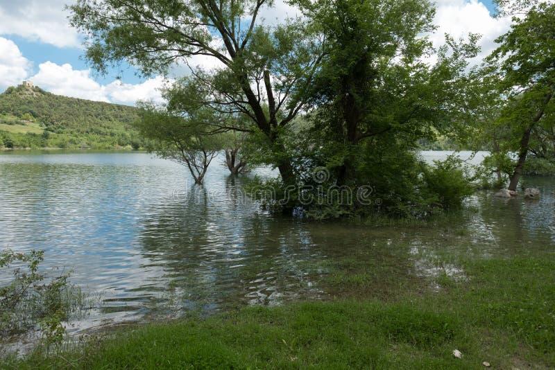 Lago di Casoli immagini stock