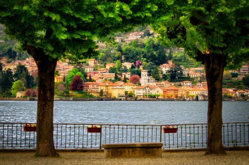 Lago di Como (sjön Como) Torno royaltyfria foton
