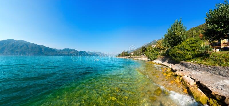 Lago di Garda - lago Garda em Itália fotografia de stock