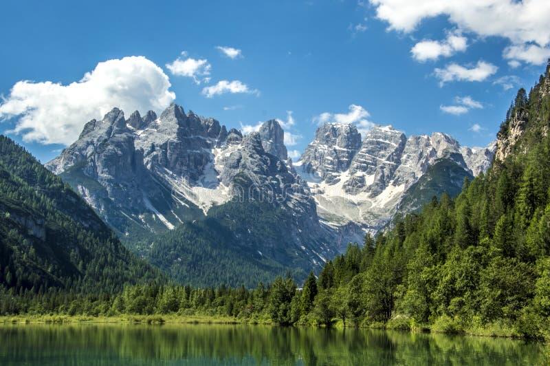 Lago di Landro lizenzfreie stockfotos