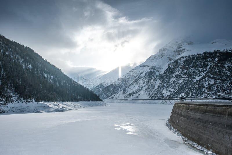 Lago di Livigno o Lago del Gallo fotografia stock libera da diritti