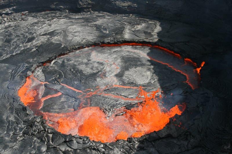 Lago di ribollimento della lava della birra inglese di Erta immagine stock