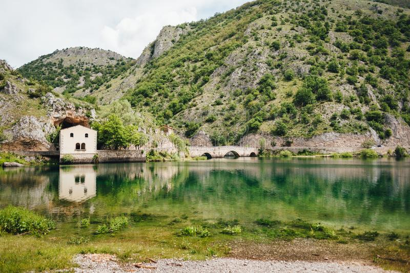 Lago di San Domenico, Abruzzo, Italien royaltyfri bild