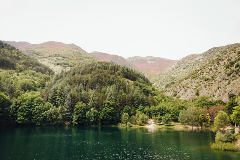 Lago di San Domenico, Abruzzo, Italien royaltyfria foton