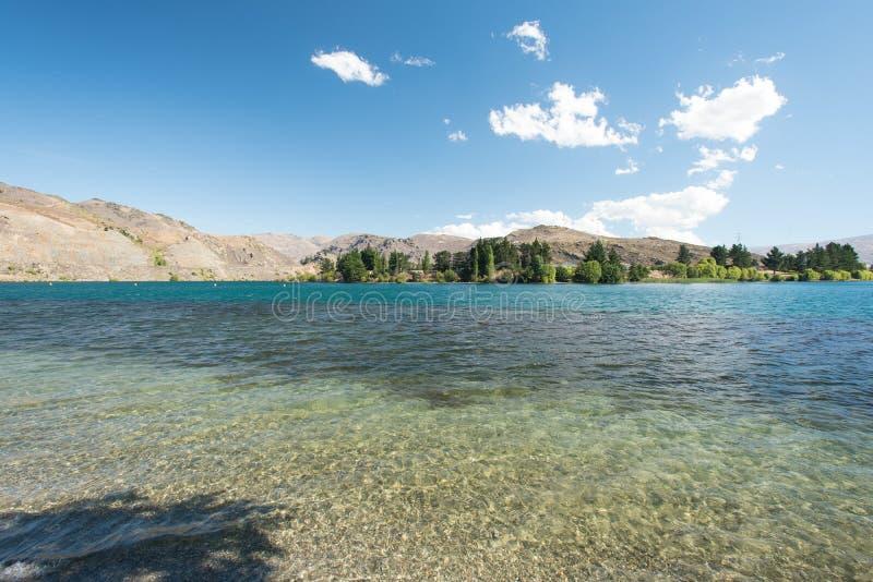 Lago Dunstan situado em Cromwell, Otago central, Nova Zelândia fotografia de stock royalty free