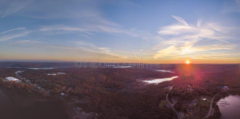 Lago durante l'alba fotografia stock libera da diritti