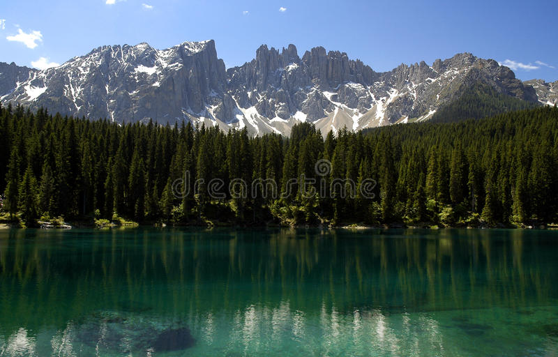 Lago e Latemar Carezza immagini stock libere da diritti