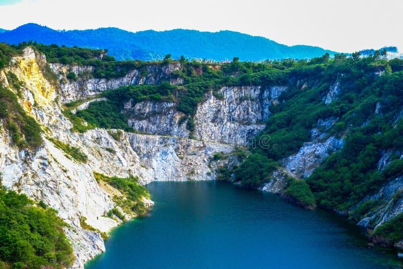 Lago e montanha imagem de stock royalty free