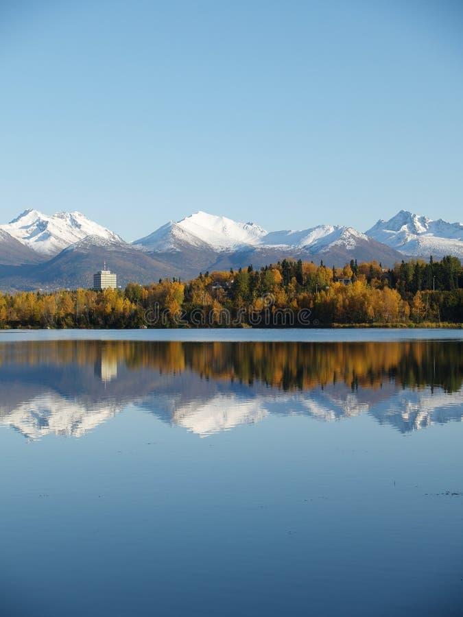 Lago e paesaggio alaska fotografia stock