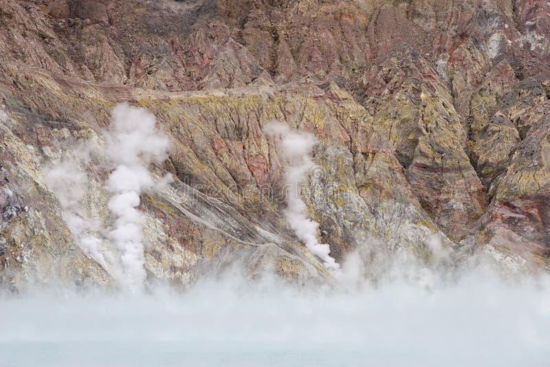 Lago e vapor crater fotografia de stock royalty free