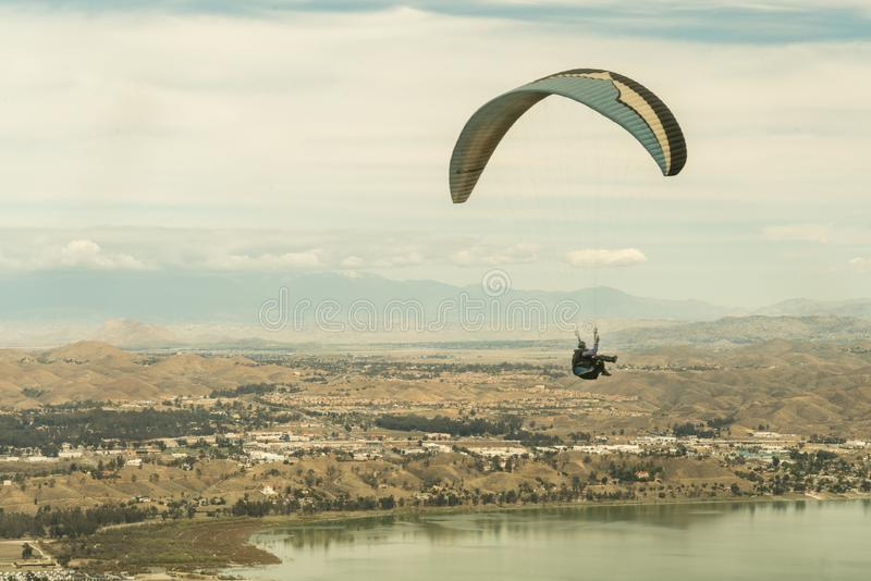 Lago Elsinore, California/Stati Uniti - 18 marzo 2018: Il lago Elsinore è La Mecca interna dell'impero per il Li di ricerca di sp fotografia stock libera da diritti