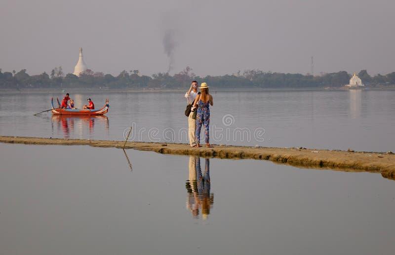 Lago em Amarapura, Mandalay foto de stock royalty free