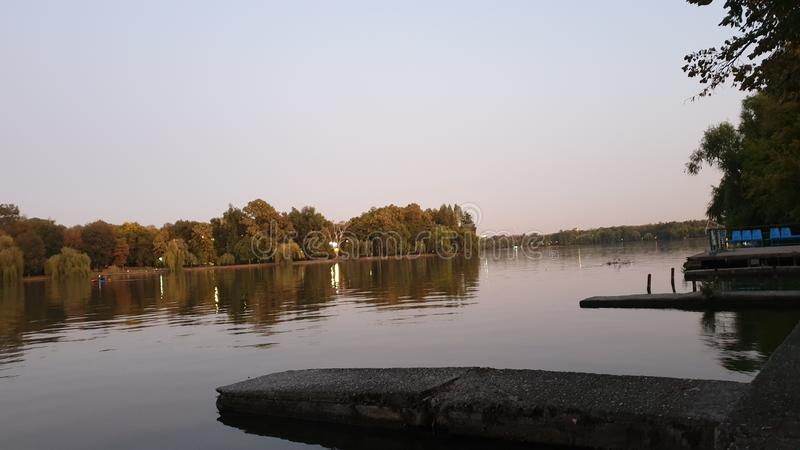 Lago em Dusk fotos de stock royalty free
