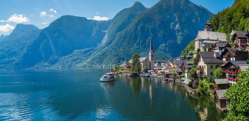 Lago em Hallstatt, Áustria fotos de stock