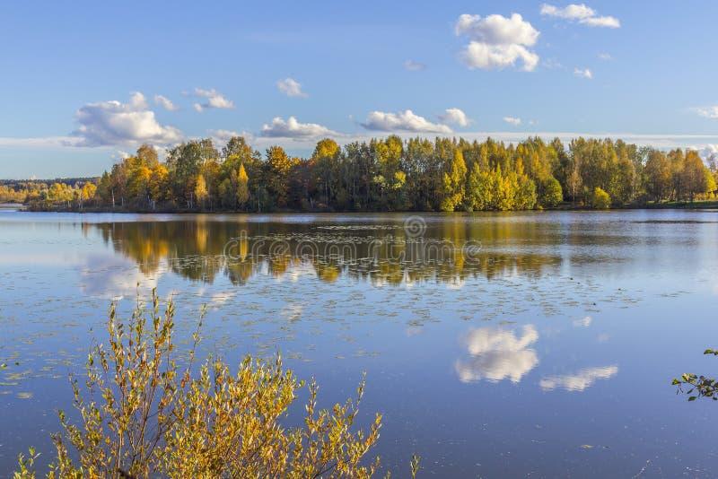 Lago em Tampere fotografia de stock royalty free