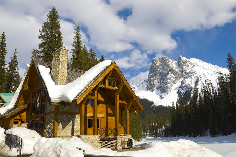 Lago emerald, Montanhas Rochosas canadenses foto de stock