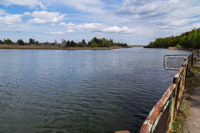 Lago en Chernóbil fotos de archivo