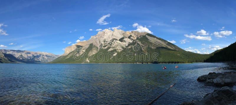 Lago en el canadiense Rocky Mountains - el parque nacional de Kootenay foto de archivo libre de regalías