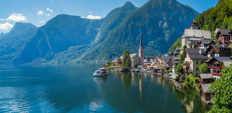 Lago en Hallstatt, Austria fotos de archivo