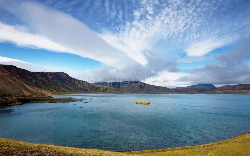Lago en Islandia imagenes de archivo